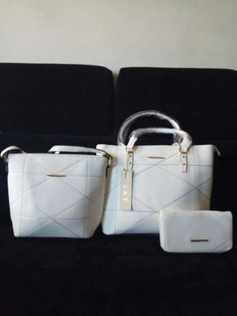 Beautiful and trendy handbags at affordable prices Imara Daima - image 7