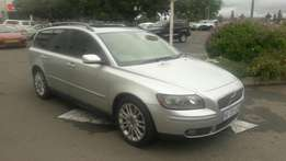 A Stunning 2005 Volvo Auto V50, electric Windows, L-seats and aircon!