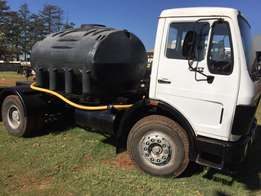 mercedes benz 1417, 5000 litre honeysucker , has pump and motor