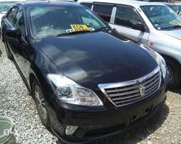 Toyota Crown KCN registered year 2011