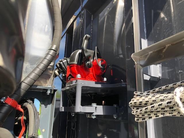 Iveco X-way 35x57 8x4 - 2018 - image 7