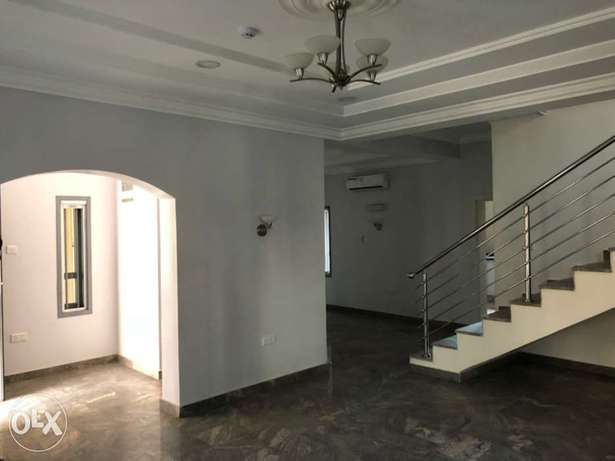 5 bedroom terrace house for rent Abuja - image 7