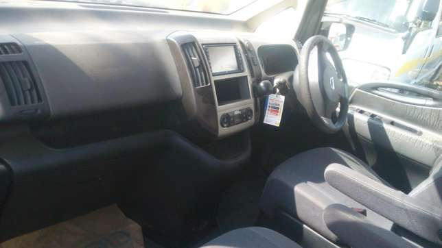 Nissan Serena for sale Umoja - image 4