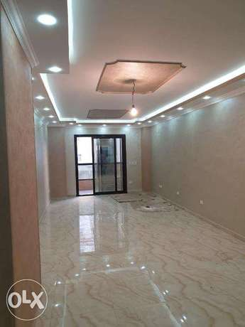 Flat - 1st Floor - Baron Royal Towers - 154m - Ultra Lox Finish