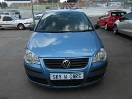 vw polo 1.4 HB trend line 2009 model 70000km blue in color R68000