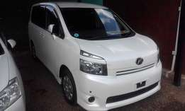 Toyota Voxy,new import,8 seater,unused locally,price reduced