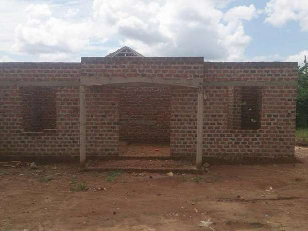 A hot deal 2bedrooms house for sale in Gyaza-kumusanvu at 10m Wakiso - image 1