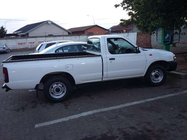 New Bakkie NP300 Soweto - image 2