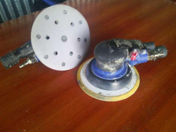 Air Powered Palm Sander, runs at 12,000 RPM's Like New Condition Ongata Rongai - image 1