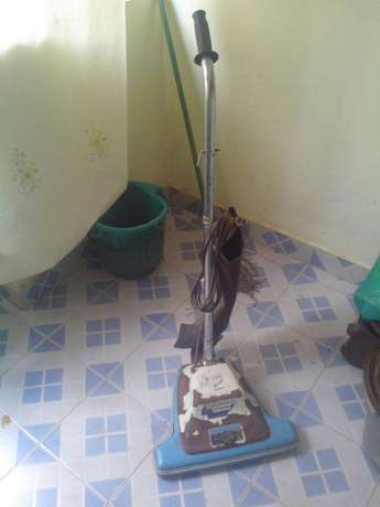 Vacuum cleaner with sweeper Afraha - image 3