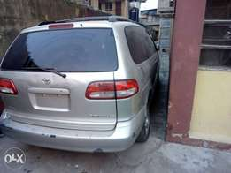 Newly arrived 2002 model Toyota sienna for sale