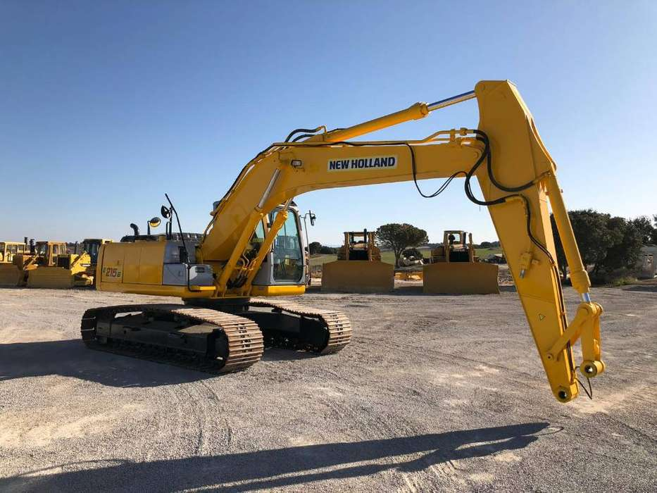 New Holland E 215 B - 2011 - image 5