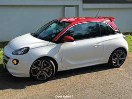 Opel Adam S – how does Little Red Riding Hood do in the 'hood