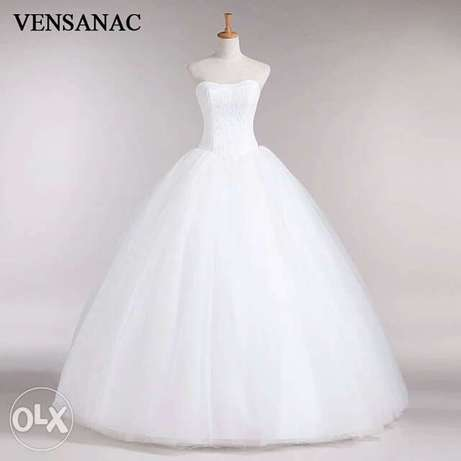 Very Classy Foreign Wedding Gowns. Uyo - image 6