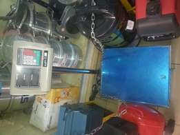 A hundred to five hundred kgs digital weighing machine and scales