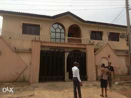 4bed rooms duplex at oluyole estate, lane 2, aare bus stop Ibadan.