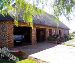 Warm 2 bedroom House with a Bushveld holiday atmosphere for Sale