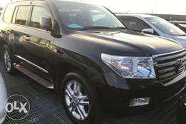 ZX BlackToyota LandCruiser 2012 Fully loaded all rounr cameras