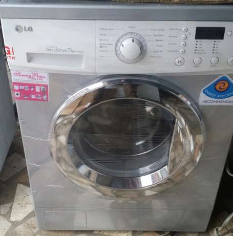 LG INVATER 7kg automatic washing machine Lagos Mainland - image 1