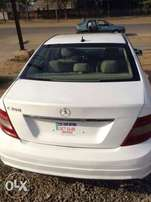 Benz 2009 c300 sharp and clean