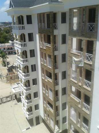 Spacious 3 Bed Apartment behind City mall Nyali Nyali - image 1
