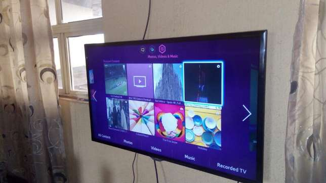 "Few months 40"" 3D SAMSUNG SMART LED TV with inbuilt wifi and miracast. Agbado/Oke-Odo - image 2"