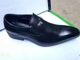 Office shoes Leather form in black and brown all sizes available.