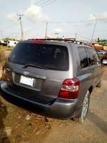 Very neat toyota highlander first body in good condition with ac