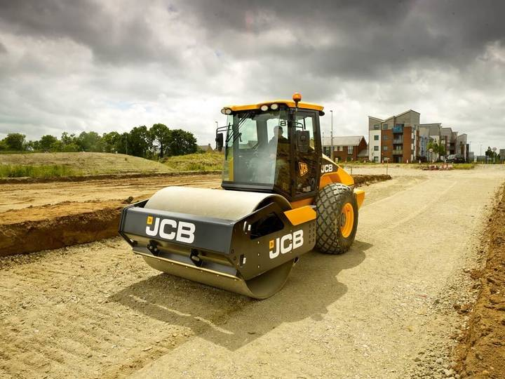 JCB VM 117D - 2016