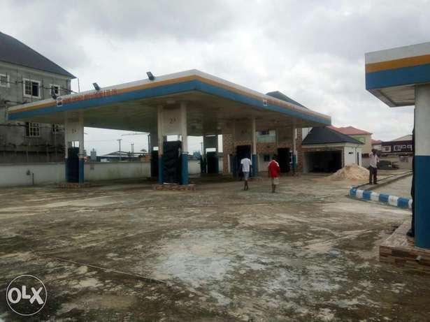 FOR SALE OR LEASE Newly built filling Station with 8 pumps at Eliozu Port Harcourt - image 1