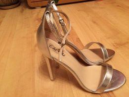 4fc4b631 Nowe szpilki Chi Chi London 39 srebrne sandały