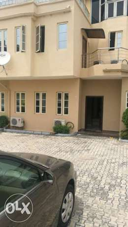 Luxury 4bedrooms duplex with a rom bq for sale inside Lekki phase1 75M Ojodu - image 8