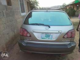 4months used Lexus RX300 Jeep 2000 model