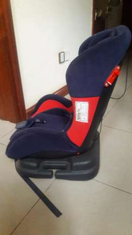 Car seat for 5 month to 5 years old child Lavington - image 2