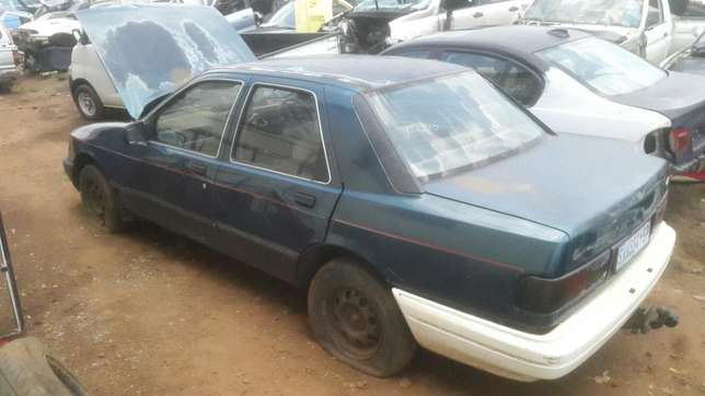 Ford Sapphire Stripping for spares. Benoni - image 2