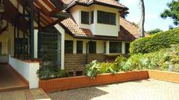 Rosslyn-Spectacular 5Bedroomed townhouse for rent.