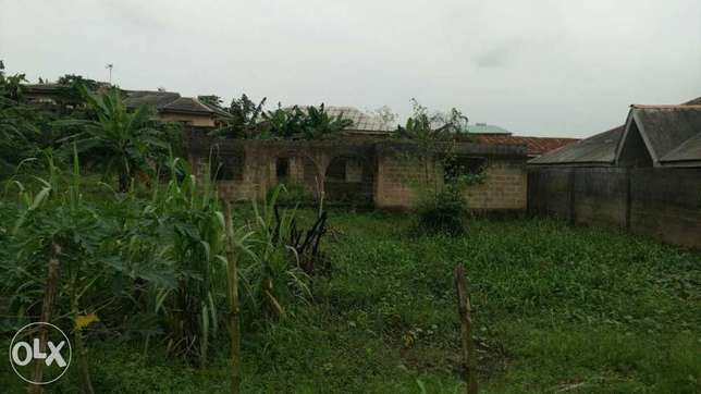 Land with uncompleted building for sale at Magboro Ojodu - image 1