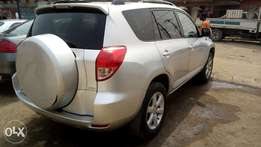 Rav4 Used First Body clean like Tokunbo leather interior