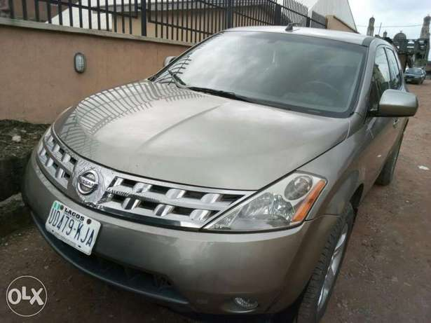ADORABLE MOTORS: An extremely clean & sound 2004 Nissan Murano 4 sale Lagos Mainland - image 2
