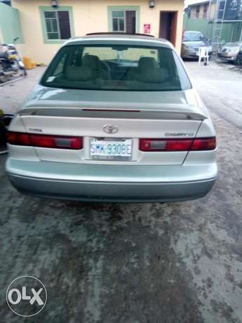 This is a very clean toyota camry tiny light silver Ikeja - image 4