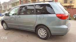 2005 Model Toyota Sienna Tokunbo with DVD