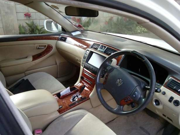Toyota Crown 2007 Model In Very Good Condition Karen - image 5