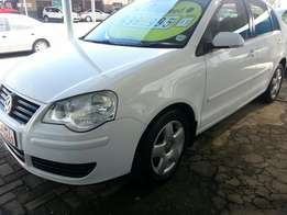 08 polo classic 1.6i with 155500km