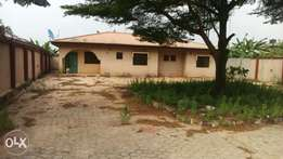 3bedrooms bungalow at Akute.(C of O)