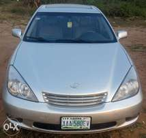 Neatly used 2003 Lexus Es 300 for sale. 1.7m negotiable.