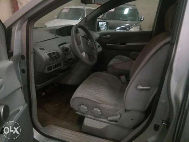 2004 Nissan Quest First body Agidingbi - image 2