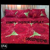 RED GREEN COMBO 7x7 bedsheet with 4 pillocases