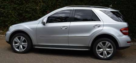 Mercedes Benz ML KCA[7-speed automatic,Cruise Control,all wheel drive] Karen - image 3