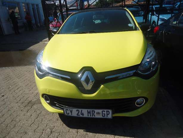 2014 Renault Clio 1.6 Available for Sale Johannesburg - image 1