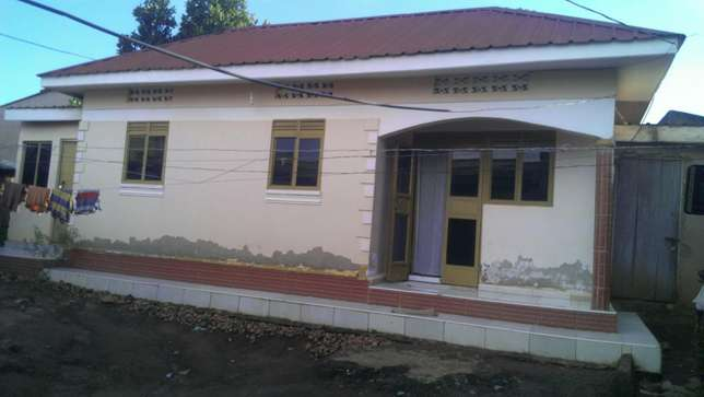 House for sale in kyengera Kampala - image 2